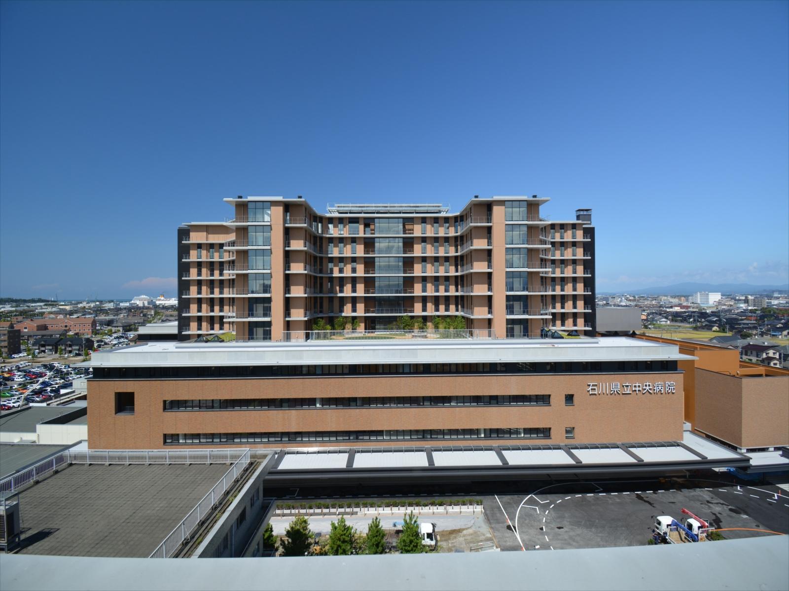 石川県立中央病院(本棟・建築)